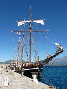 Le Bel Espoir dans le port de Calvi