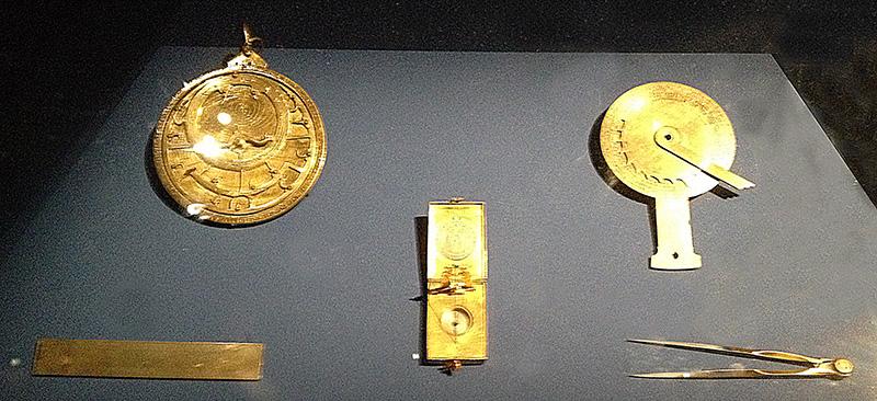 photo representant des instruments de navigation